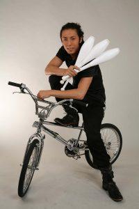 大道芸(ジャグリング・BMX・ファイヤーショー・LEDショー)、マジックのパフォーマー