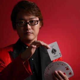 東京都を拠点に関東地方のイベントを中心に活躍しているマジシャン