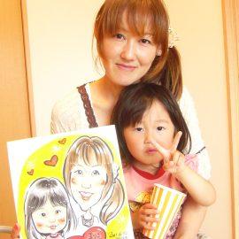 有名テレビ番組の企画に出演したこともある女性似顔絵師が描いた母娘の似顔絵