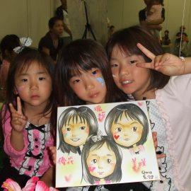 女性を中心に大人気の女性似顔絵師が描いた姉妹の似顔絵
