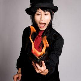 東京を拠点に活動中の女性マジシャン