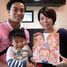 イベントでは行列ができるほど人気な男性似顔絵師が可愛く面白く描いたご家族の似顔絵