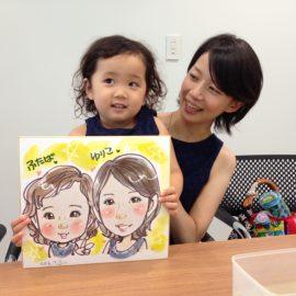 ウェディング早描きなど幅広く活躍している女性似顔絵師が描いた母娘の似顔絵