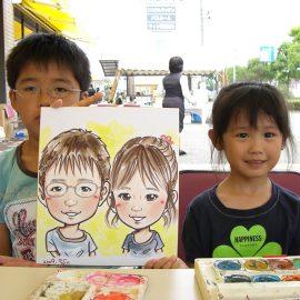 デフォルメタッチとリアルタッチどちらも対応可能な似顔絵師が描いたご兄妹の似顔絵