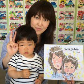 「もらってうれしい似顔絵」がモットーの似顔絵師が描いた親子の似顔絵