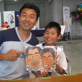 可愛さと面白さを感じるタッチで描かれたお父さんと息子さんの似顔絵