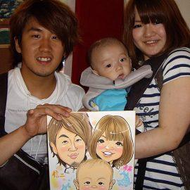 関西で活躍している男性似顔絵師が描いた赤ちゃん連れのファミリーの似顔絵