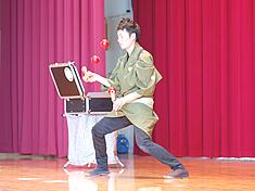 けん玉師・伊藤佑介