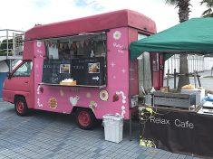 アイスクリームと焼きそばの食品移動販売車