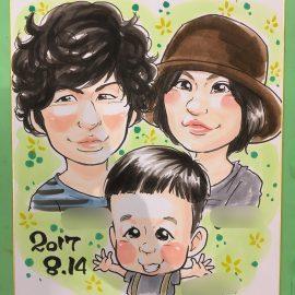 可愛さとリアルさを融合したようなタッチで描かれたご家族の似顔絵