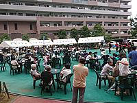 マンション夏祭りの飲食・休憩スペース