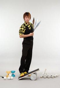 大道芸(ジャグリング、バランス芸など)のパフォーマー