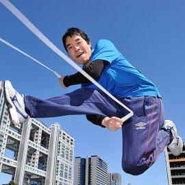 国内や海外の大会で優勝するほどのテクニックを持つ縄跳びパフォーマー