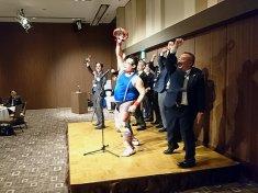 東京都台東区で開催された医療品メーカーの懇親会に派遣したタンバリン芸人・ゴンゾー