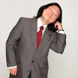 武田鉄矢演じる金八先生のモノマネをするものまねタレント亘哲兵
