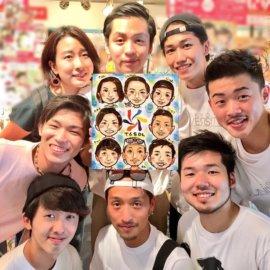 大手似顔絵事務所に在籍した経験を持つ似顔絵師が描いた8人グループの似顔絵。