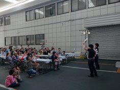 観客のみなさんからたくさんの拍手喝采を送られる桔梗ブラザーズ